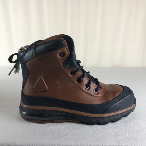 ccc07bd988227 Nike ACG Air Max Conquer MENS Boots 10.5 Brown EUC.  M 5c1117d8a31c33a619d608bd